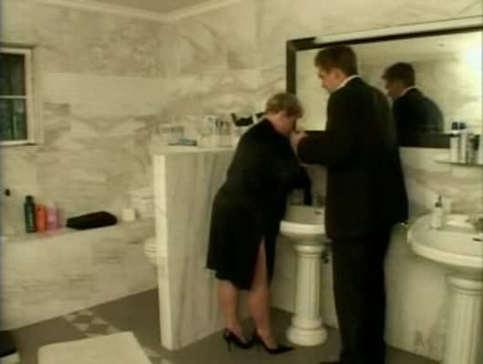 foto-gryaznogo-seksa-v-tualete-porno-fotki-golih-patsanov
