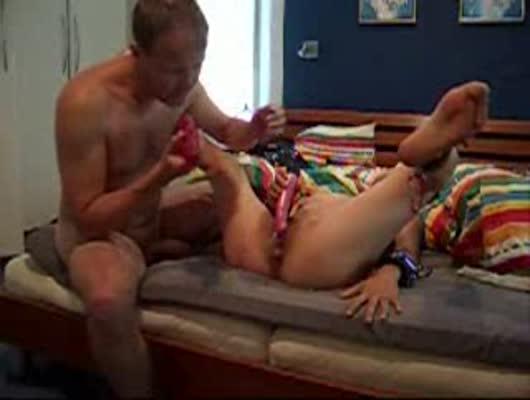 смотреть порно муж ублажает жену игрушкой пользователи