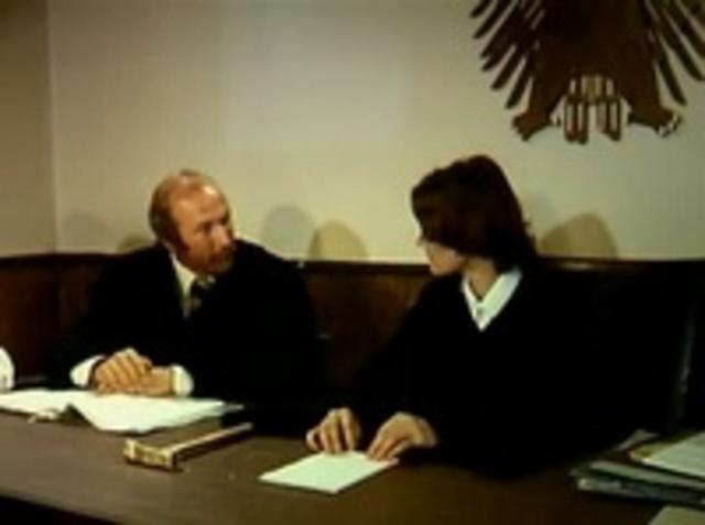 значению фамилии фильм казимир судебный пристав с переводом может
