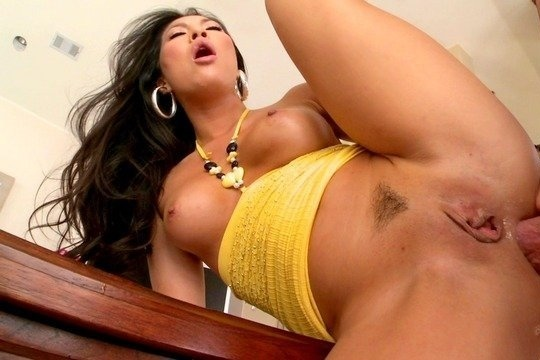 Шикарная азиатка Asa Akira в жестком анал порно с окончанием в рот