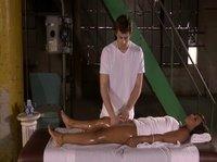 Во время массажа, видимо, не на ту точку нажал