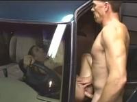 Хардкор трах милашки в машине