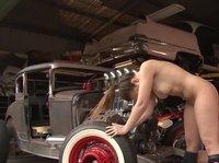 Девушки больше секса любят только в машине ковыряться