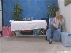 Нежный массаж перед страстным трахом