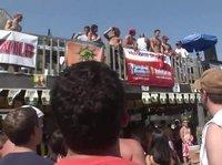 Пляжные вечеринки как раз и созданы для любви